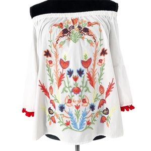 Grand & Green Floral Embroidered Off Shoul…